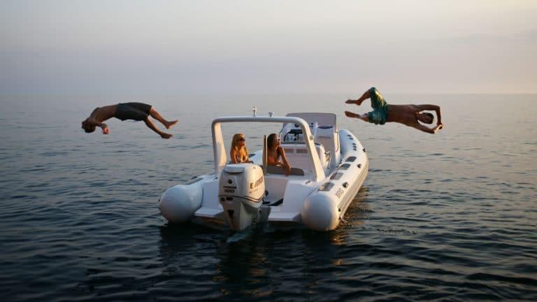 Köp nya och begagnade motorbåtar på Fair Marin