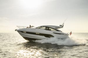 Fairline Targa 43 Open vinner pris i Cannes!